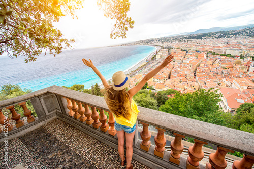 Plexiglas Nice Young female traveler enjoying great view on the Nice city in France