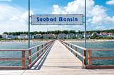 Seebrücke von Bansin auf Usedom mit Blick auf den Ort - 122921069