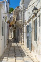 Fototapeta Wąskie uliczki na wsi na wyspie Naksos, Cyklady