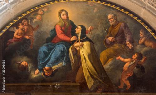 brescia-italia-22-de-mayo-de-2016-la-pintura-de-santa-teresa-de-madonna-el-collar-de-oro-en-chiesa-di-san-pietro-en-olvieto-por-d-carretto-1696