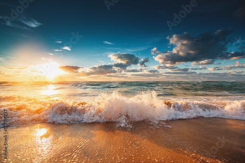 Billede Beautiful sunrise over the sea