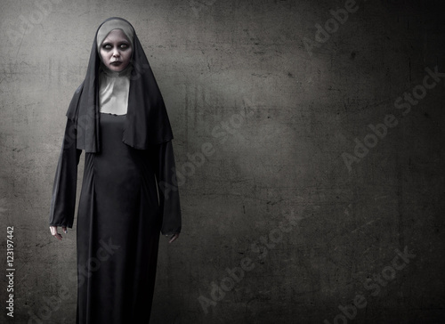 Poster Scary Devil Nun