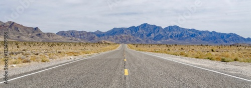 Fotobehang Route 66 Desert Highway near Area 51 in Nevada, USA