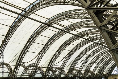 Hauptbahnhof Dresden - 123439647
