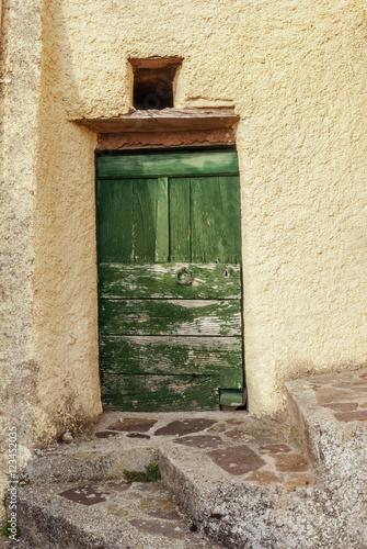 Poster Porta antica e rovinata di borgo