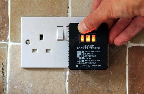 Poster UK 13 AMP Socket tester showing plug working correctly