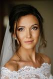 Close-up portrait of a beautiful bride.