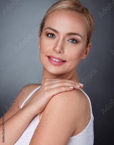 Leinwanddruck Bild middle aged spa woman