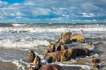 Die Ostseeküste an einem stürmischen Tag