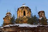 Руины заброшенной церкви