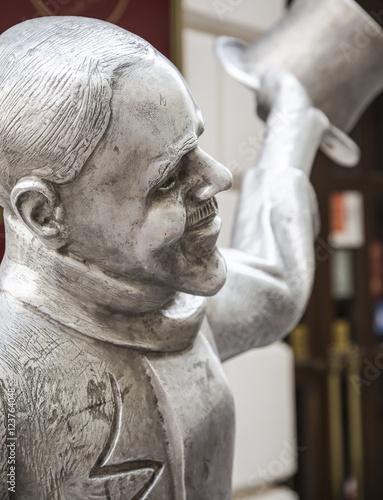 Poster Statue of Schoner Naci