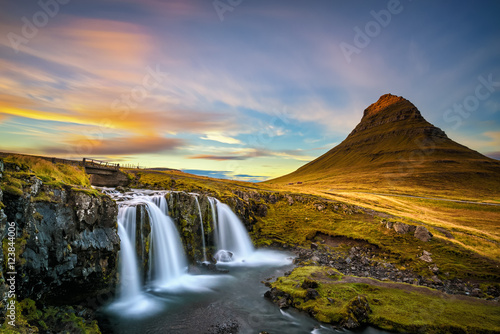 Keuken foto achterwand Noord Europa Sunset over Kirkjufellsfoss Waterfall and Kirkjufell mountain in Iceland