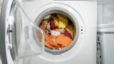 Buntwäsche waschen. - 123885821