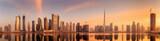 Panoramiczny widok Business bay i centrum miasta z Dubaju, odbicie w rzece, ZEA
