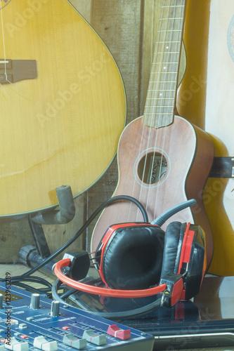 Staande foto Muziekwinkel Audio equipment for recording in the studio.