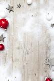Fototapety Weihnachtlicher grauer Holz Hintergrund mit Deko