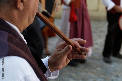 Joueur de pipeau  © Pictures news