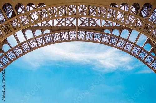 Papiers peints Tour Eiffel Eiffel Tower minimalism symmetrically