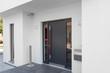 Leinwanddruck Bild - Haustür Wohnhaus Eingang