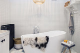 detail of bath room