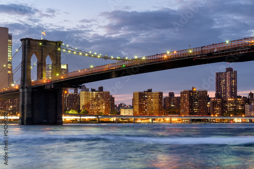 Foto op Canvas The Brooklyn Bridge in New York City at sunset