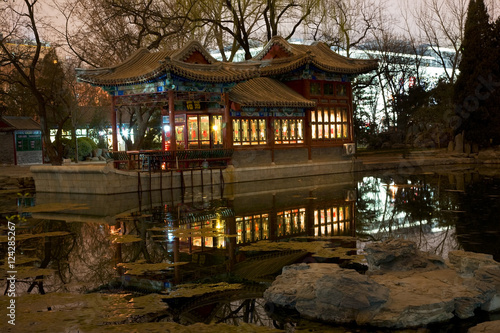 Papiers peints Pekin Stone Boat Temple of Sun Pond Reflection Beijing China