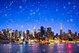 New York skyline im Winter mit Schnee