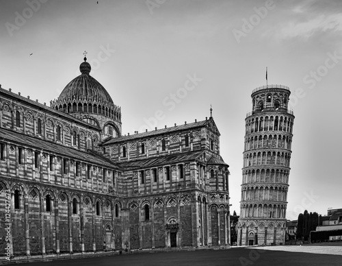 Sliko Pisa Cathedral Tower Close BW