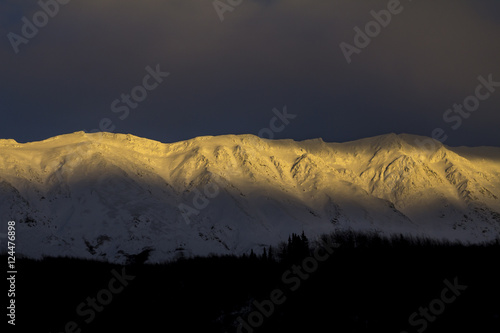 Yukon Mountains Alpenglow плакат
