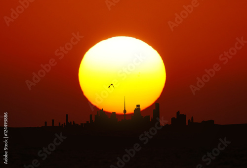 Aluminium Rood traf. Kuwait City landscape view during beautiful golden sunset on summer time
