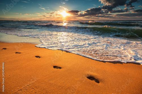 Valokuva Beautiful sunrise over the sea