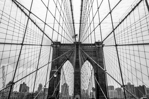 Foto op Canvas Brooklyn Bridge Crossing the Brooklyn bridge