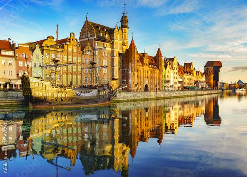 Zdjęcia na płótnie, fototapety na wymiar, obrazy na ścianę : Cityscape of Gdansk in Poland