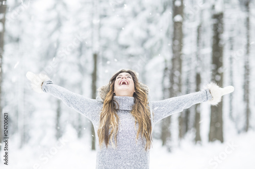 Leinwanddruck Bild Frau im Winter