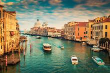 Grand Canal à Venise, Italie. Filtre couleur appliquée.