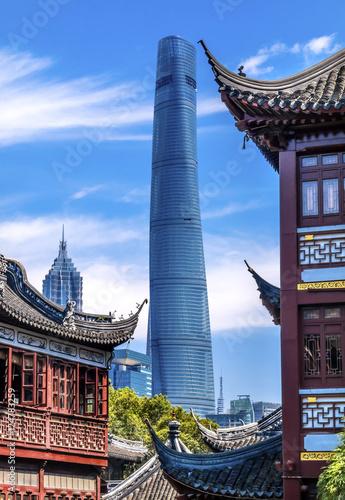 Fotobehang Shanghai Old New Shanghai China Tower Yuyuan Garden