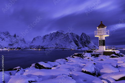 Staande foto Snoeien Lighthouse at Reine Lofoten Norway