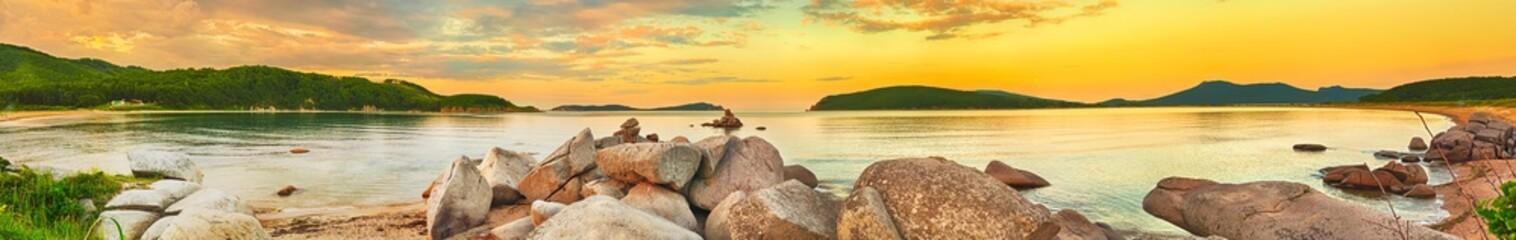 Fototapeta zachód słońca nad jeziorem panorama