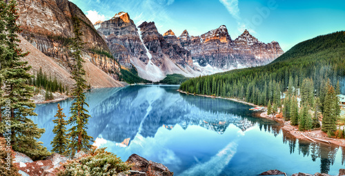 Foto op Canvas Canada Moraine lake panorama in Banff National Park, Alberta, Canada