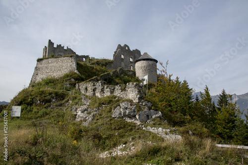 Burgruine in den Alpen