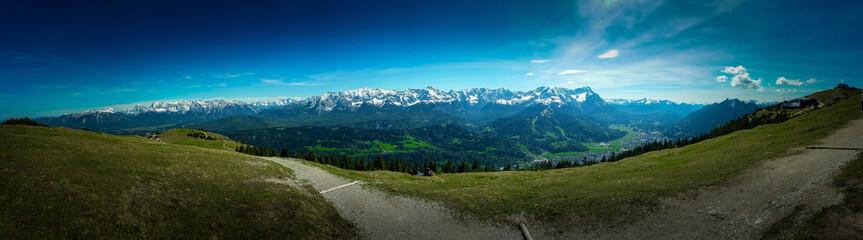 Fototapeta panorama górska - błękitne niebo