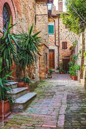 Zdjęcia na płótnie, fototapety na wymiar, obrazy na ścianę : Alley in Italian old town, Tuscany, Italy