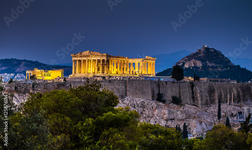 Poster Athene Parthenon of Athens at dusk time, Greece