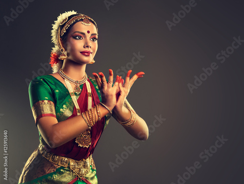 Poster Beautiful indian girl dancer of Indian classical dance bharatanatyam