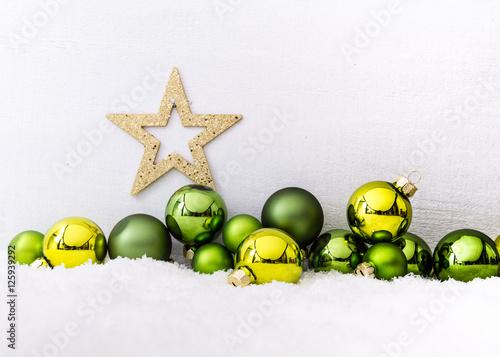 Poster Stern und grüne Christbaumkugeln