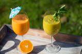 Smoothie mit Sellerie und Orange