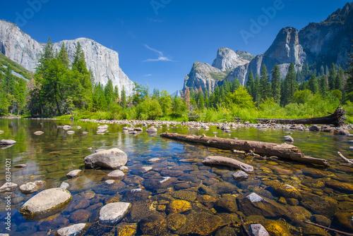 Classic view of Yosemite National Park, California, USA - 126034021