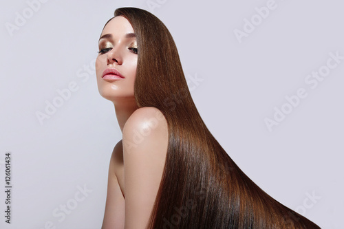 Poster Very long, straight silky hair