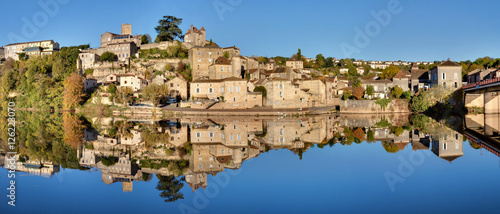 Papiers peints Photos panoramiques Panorama de Puy-L'Eveque (Lot)
