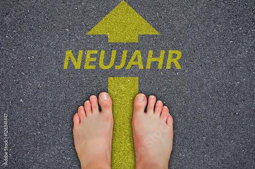 Poster Füße auf Asphalt Neujahr 2017